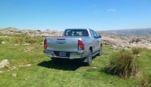 Toyota Hilux SRX 4x4 AT