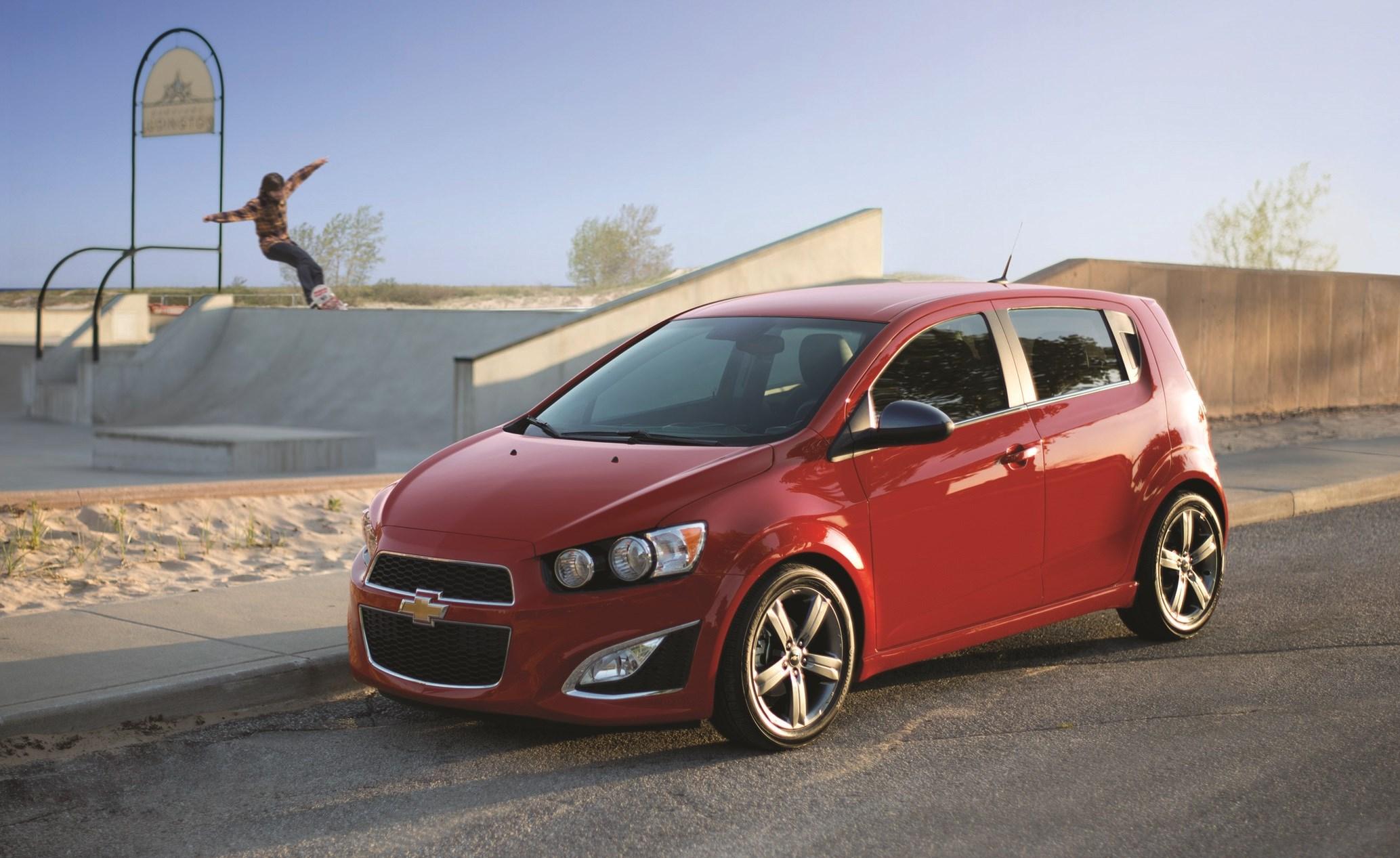 Nuevo Chevrolet Sonic 2017  Sed U00e1n Y Hatchback