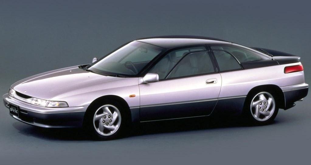 Exótico Subaru XV de principios de los 90
