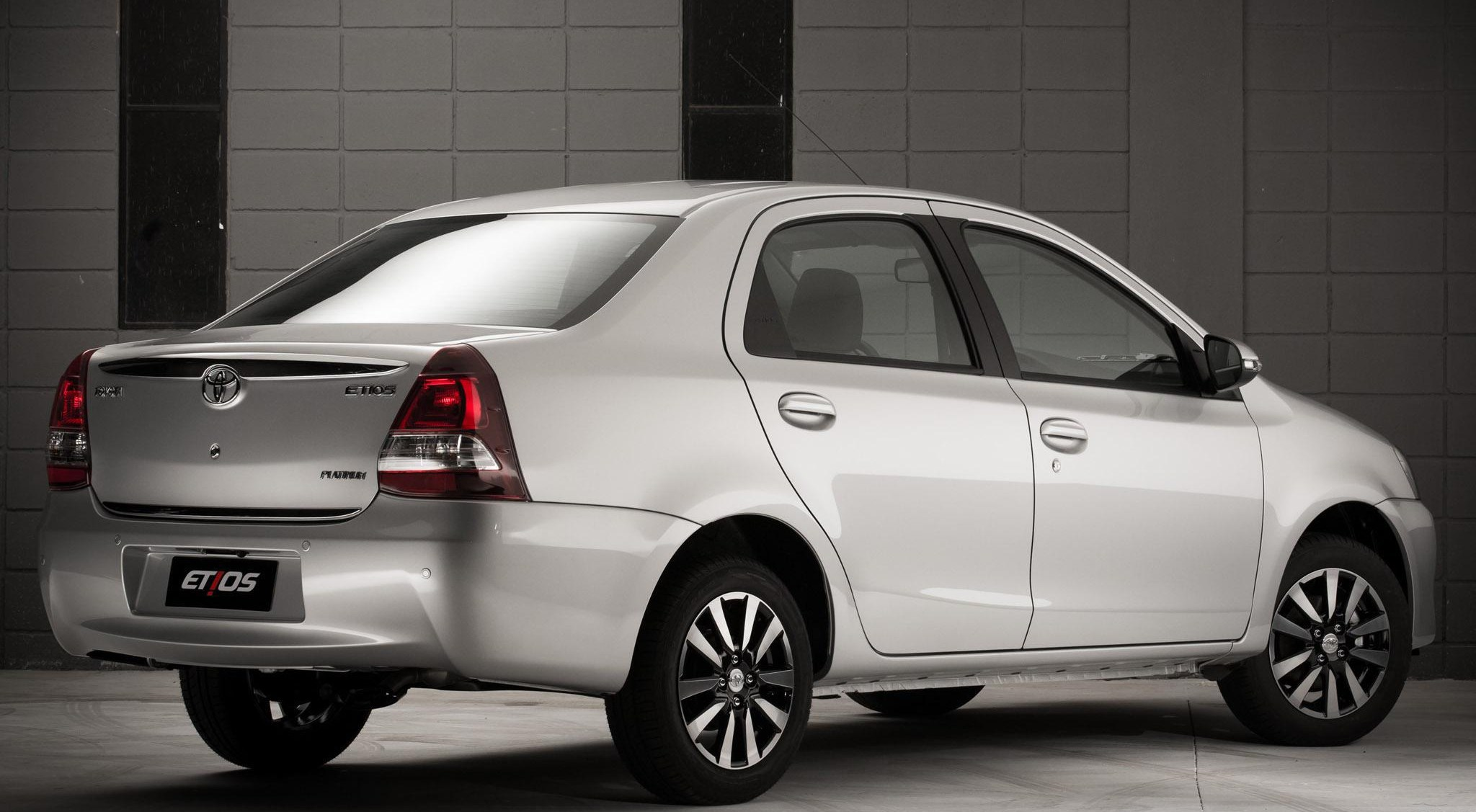 Toyota Etios Platinum Automotiva