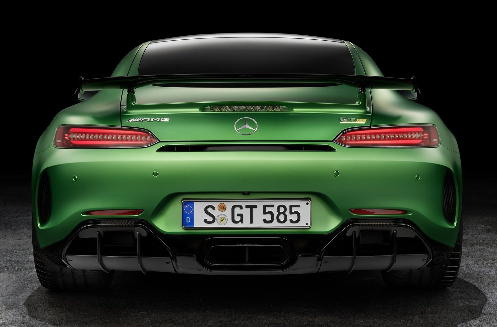 mercedes benz ya vende el amg gt r 585 cv usd 305 900 automotiva. Black Bedroom Furniture Sets. Home Design Ideas