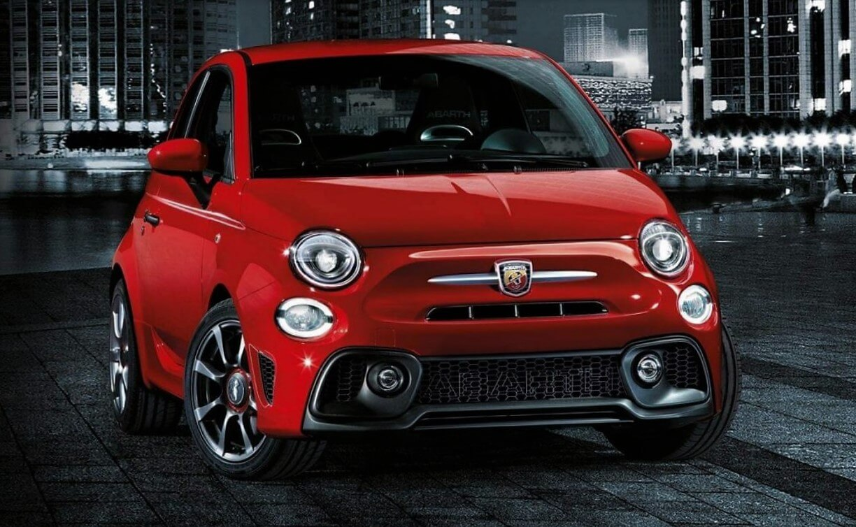fiat present su italian garage 500 500x abarth 595 y tipo automotiva. Black Bedroom Furniture Sets. Home Design Ideas