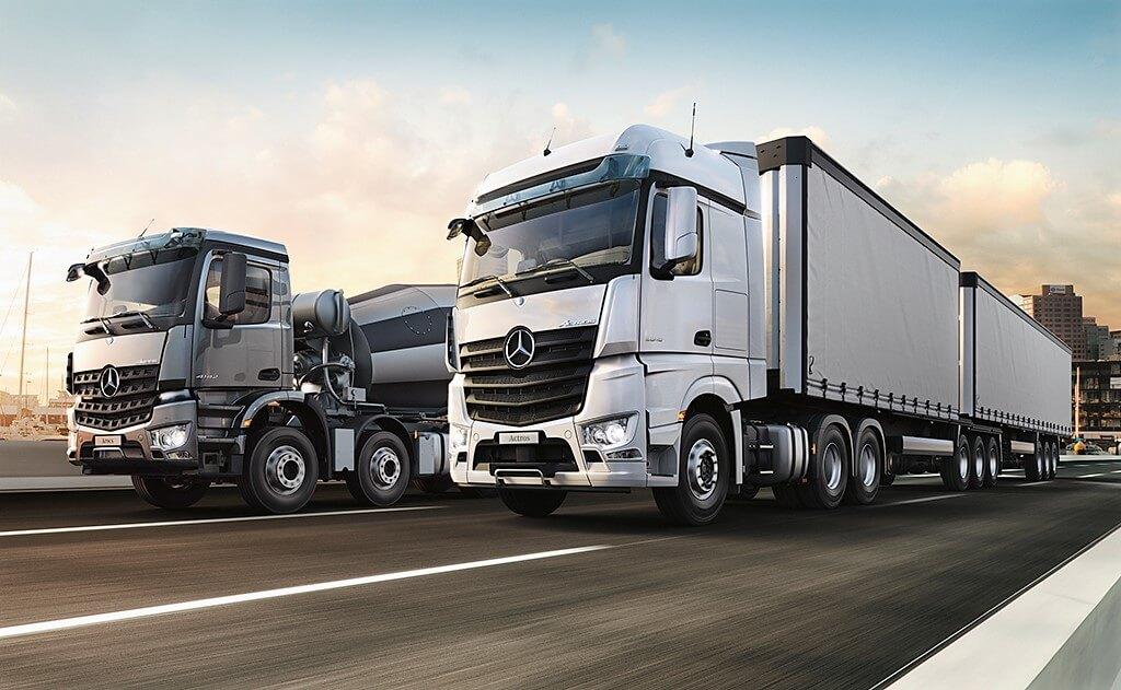camiones mercedes benz recorren la argentina automotiva. Black Bedroom Furniture Sets. Home Design Ideas